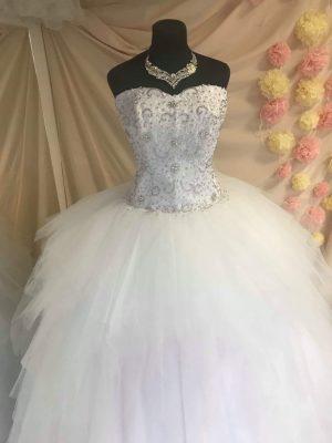 Menyasszonyi-ruha-4-2019.05.02